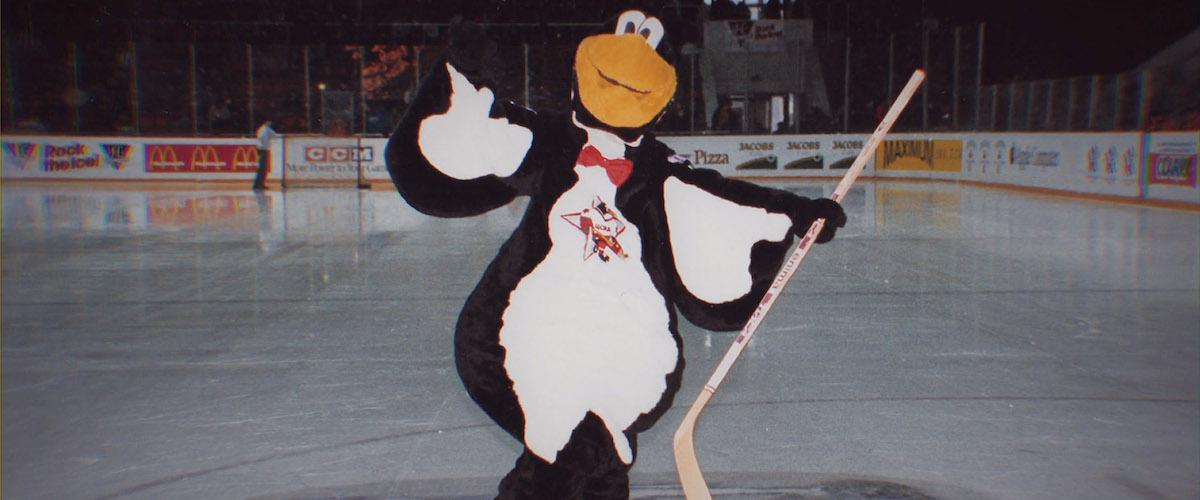 รีวิวเรื่อง Red Penguins